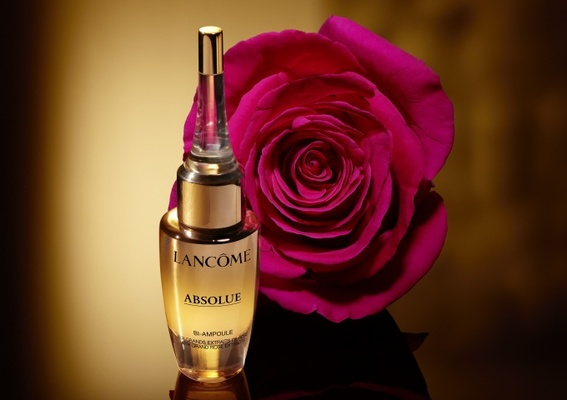 NO.1頂級修護之最! 革命性光速安瓶,見證膚況巔峰「絕對完美黃金玫瑰超導修護安瓶」