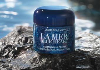 La Mer海洋拉娜愛海洋 與海洋緊緊相繫 蔚藍在心 共續奇蹟