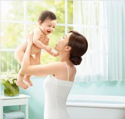 [新品] 「嬌生嬰兒草本舒活沐浴精」含天然草本精萃 讓你和寶寶一同享受清新舒暢的草本沐浴時光