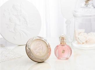 [限量] Kanebo 2013限量珍藏「米蘭絕色香水」、「絕色蜜粉餅」限量上市 天惠天使的安定力量  賜予社會祥和安樂
